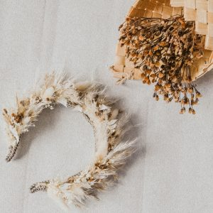 Devi Haarreif aus Trockenblumen