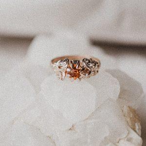 Vintage Ring mit cognacfarbenen Stein