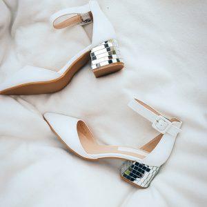 Reception-Heels mit Absatzverzierung aus Spiegelplatten